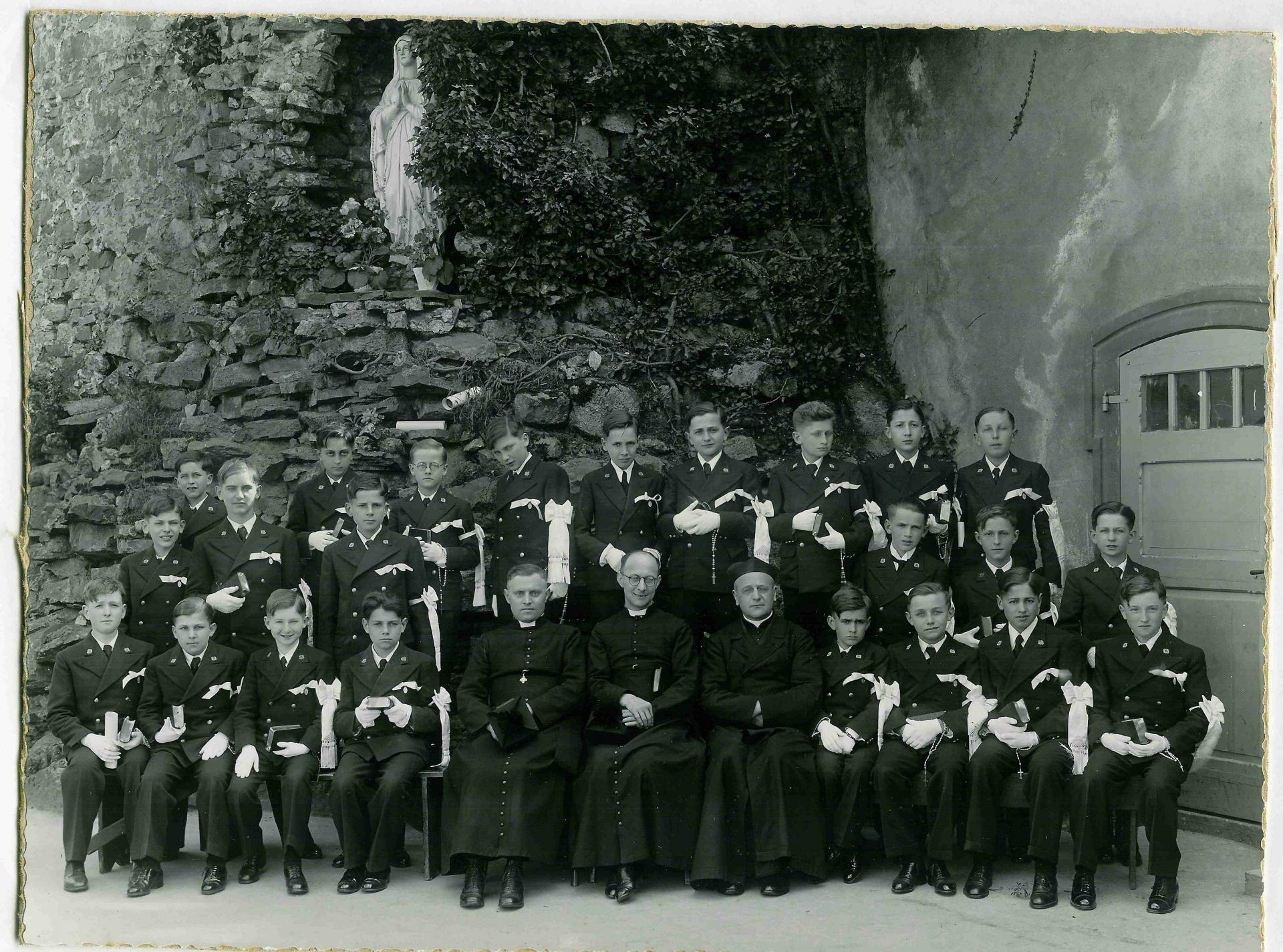 1936 37 communion paul l 4